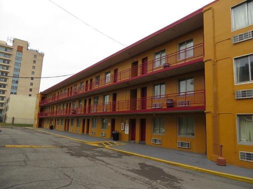 Budgetel Inn & Suites - Louisville - Rakennus