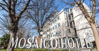 Mosaico Hotel - ראבנה - בניין