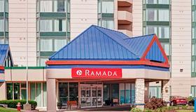 Ramada by Wyndham Niagara Falls/Fallsview - Niagara Falls - Edificio