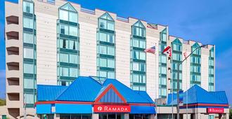 Ramada by Wyndham Niagara Falls/Fallsview - Niagara Falls - Outdoors view