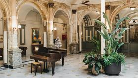 Oriente Atiram - Barcelona - Lobby