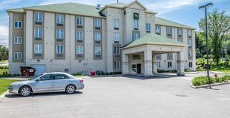 Quality Inn Orleans - Ottawa - Bangunan