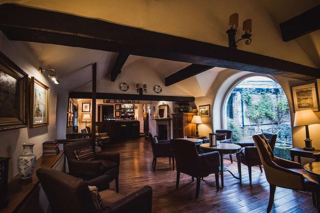 Holdsworth House - Halifax - Bar
