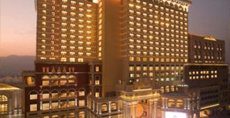 Sofitel Macau at Ponte 16 - Macau - Building