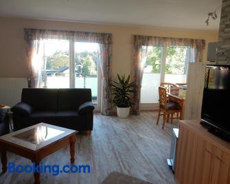 Ferienwohnungen Panoramablick - Nideggen - Wohnzimmer