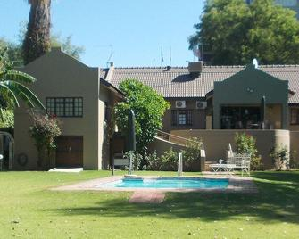 Moonriver Guesthouse - Upington - Building