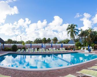 Plaza Hotel Fort Lauderdale - Форт-Лодердейл - Бассейн