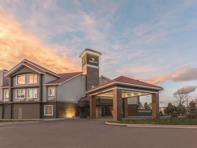 La Quinta Inn & Suites by Wyndham Denver Tech Center - Greenwood Village - Rakennus