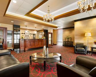 Best Western Plus Columbia River Hotel - Trail - Lobby