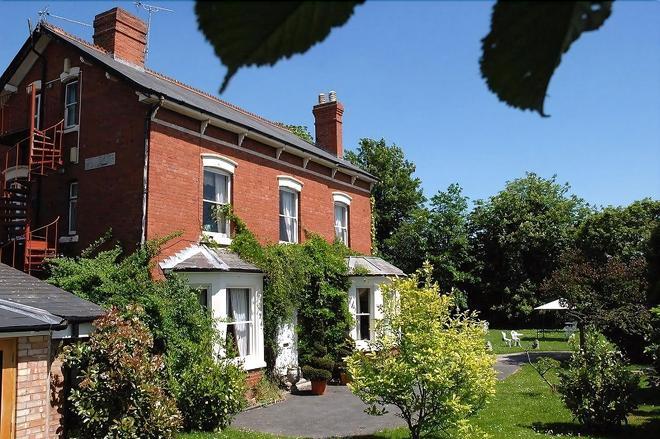 Hopbine House - Hereford - Edificio