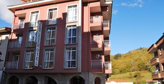 坎加斯阿克波斯酒店 - 坎加斯德奧尼斯 - 坎加斯-德奧尼斯 - 建築