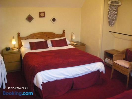 Ashgrove House - Guest house - Stratford-upon-Avon - Bedroom