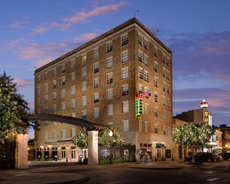 LaSalle Boutique Hotel and The Downtown Elixir and Spirits - Bryan - Edificio
