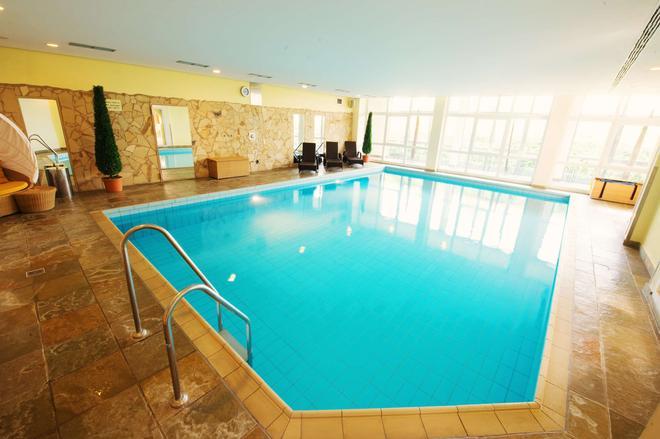 Hotel Freizeit In - Göttingen - Bể bơi