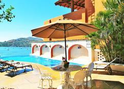 Hotel Casa Sun and Moon - Zihuatanejo - Pool