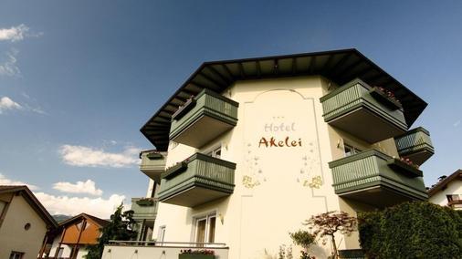Hotel Akelei - Brunico - Building