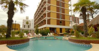 Hotel Chiavari - San Bernardo - Piscina
