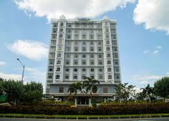 Microtel by Wyndham Mall of Asia - Pasay - Gebäude