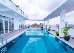Sun Apartment - Phnom Penh - Pool