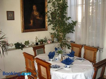Villa Olivia - Prague - Dining room
