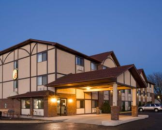 Super 8 by Wyndham Woodstock - Woodstock - Building