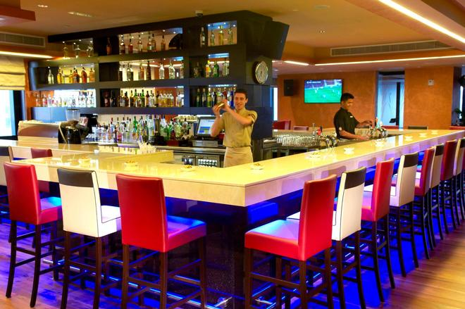 Cristal Hotel Abu Dhabi - Abu Dhabi - Bar