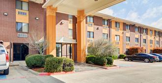 Quality Inn Dfw Airport North - Irving