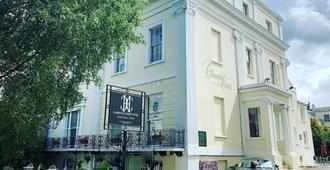 Clarence Court Hotel - Cheltenham