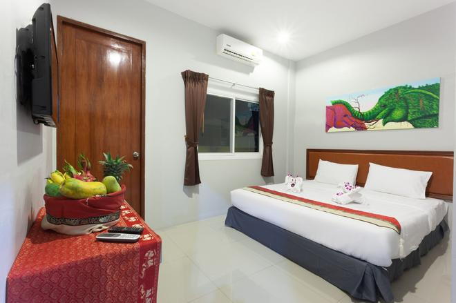 Freedom - Patong - Bedroom