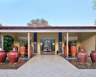 Protea Hotel by Marriott Livingstone - Livingstone - Edificio
