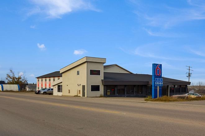 Motel 6 Kerrobert - Sk - Kerrobert - Building