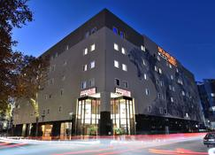 Signature Lux Hotel, by Onomo - Johannesburg - Building