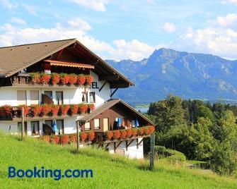 Landhotel Schwarzenbach - Rieden am Forggensee - Gebouw