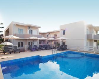 Naiades Luxury Apartments - Kalathas - Pool