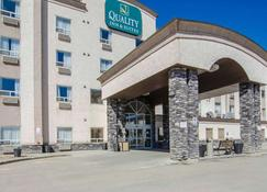 Quality Inn & Suites - Grande Prairie - Building