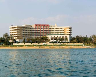 Mercure Ismailia Forsan Island Hotel - Ismailiyah - Building