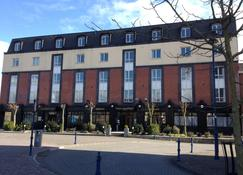 Waterford Marina Hotel - Waterford - Building