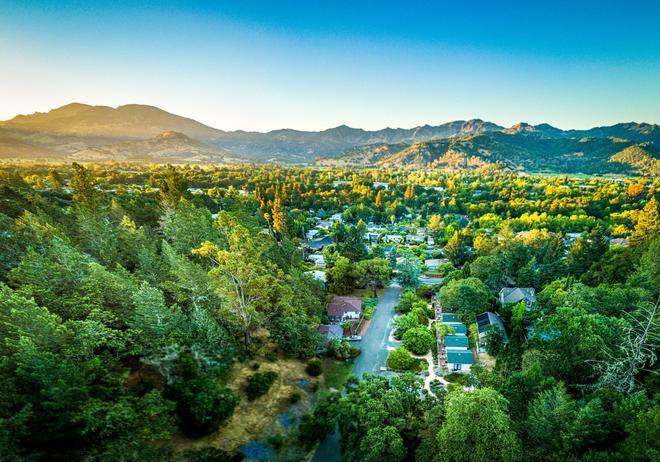 Aurora Park Cottages - Calistoga - Outdoor view