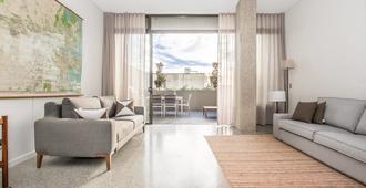 5 Bedroom Contemporary Mansion - Sydney - Living room