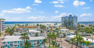 Hollywood Beachside Boutique Suites - Hollywood - Outdoors view