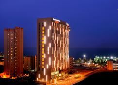 Residence Inn by Marriott Kuwait City - Кувейт - Building