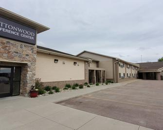 Cottonwood inn and Conference Center - South Sioux City - Gebouw