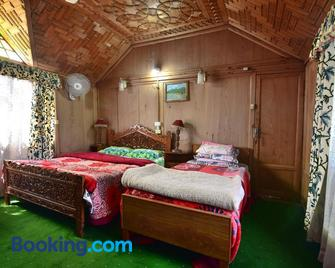 Golden Hopes Group of Houseboats - Srinagar - Bedroom
