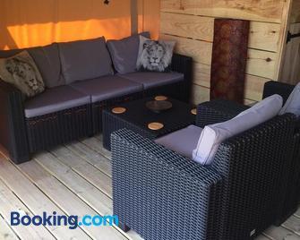 Puy Rond Camping - Bressuire - Huiskamer