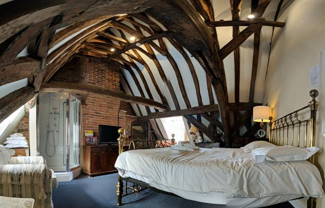 Bail House - Lincoln - Bedroom