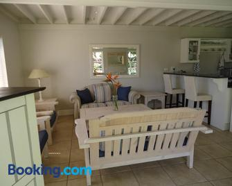 Sea-Lets - Keurboomstrand - Living room