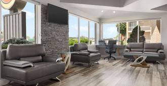 Super 8 by Wyndham Windsor/Dougall - Windsor - Lounge