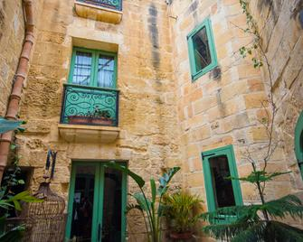 The Burrow Guest House - Tarxien - Building