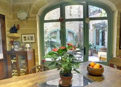 The Burrow Guest House - Tarxien - Dining room