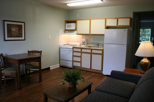 Affordable Suites of America - Jacksonville - Küche
